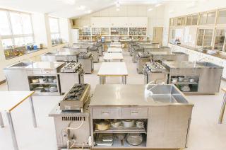 5号館/調理実習室(2F)